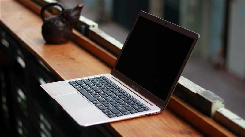 Laptop Masstel L133
