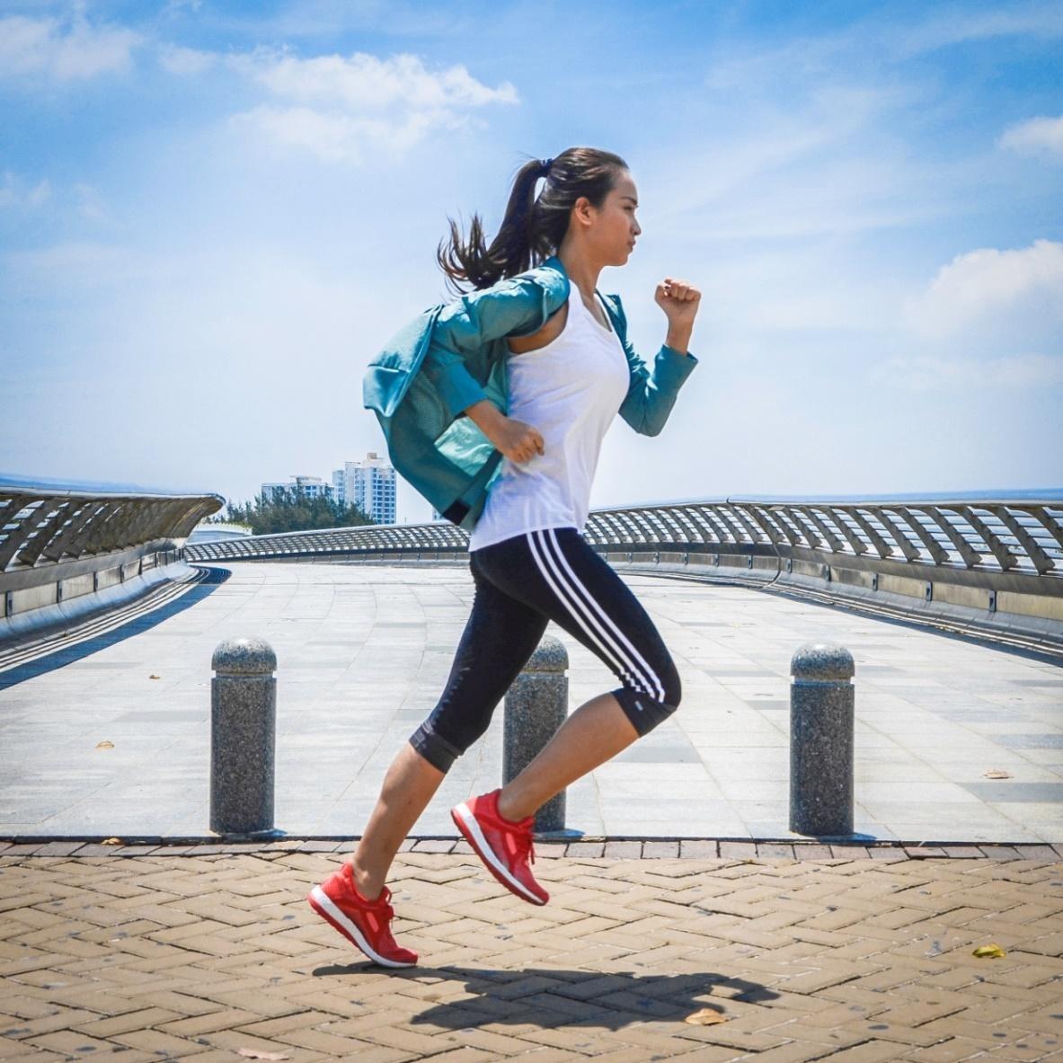 Chạy bộ có to chân không? chạy bộ như thế nào đúng cách